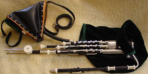 seth gallagher UILLEANN PIPES. hear a snippet of Jerry Ou0027Sullivan on these pipes & Seth Gallagher Workshop | Irish Uilleann Bagpipes